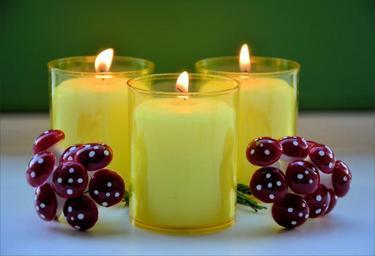 Příklad dekorativních svíček