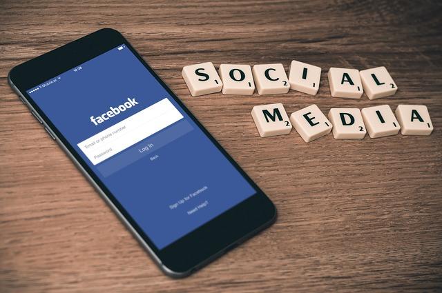 sociální média z kostiček
