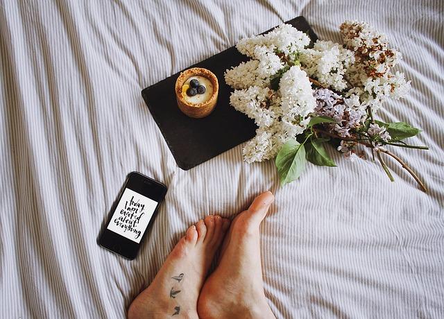 odpočinek v posteli